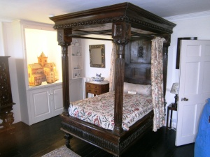 Skaille House bedroom